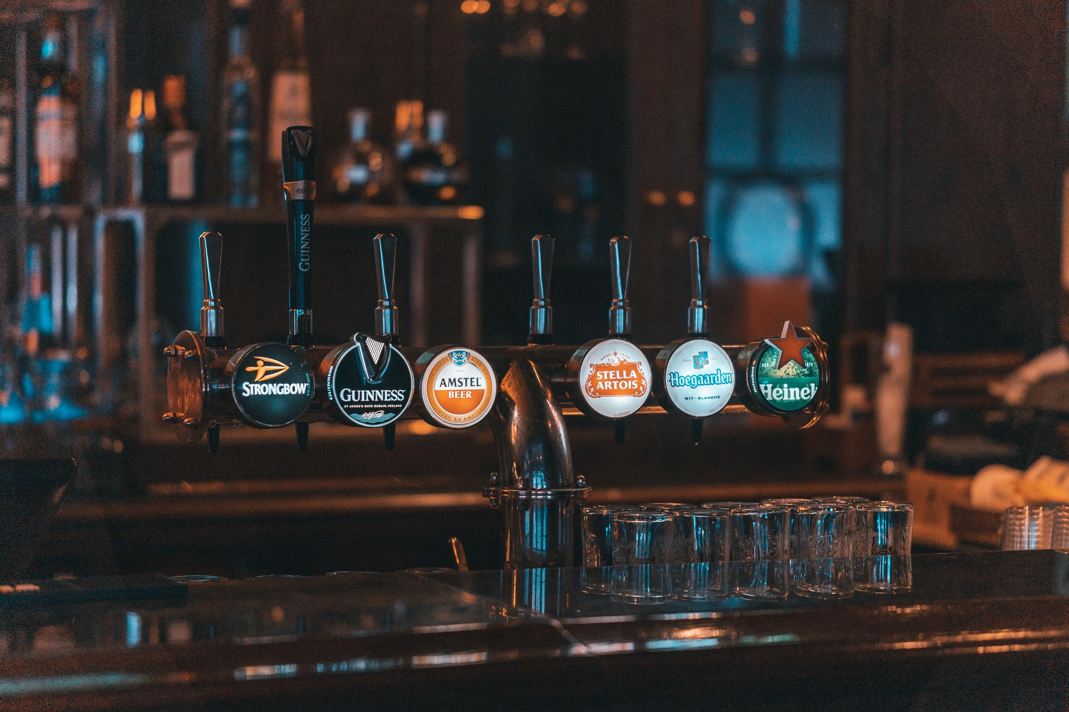 "Northern Ireland: ""Dodds announces new £10m support scheme for wet pubs"""